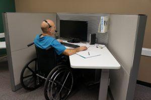 Организация специальных рабочих мест для инвалидов